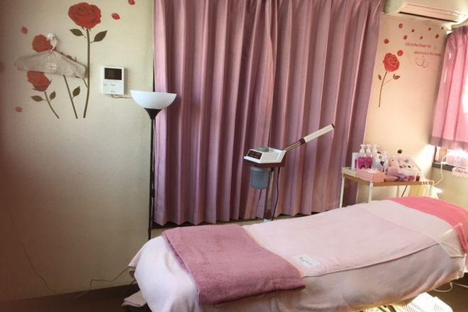 フェイシャルルームMignon 市川菅野 女性らしさを忘れない!イメージカラーのベッド