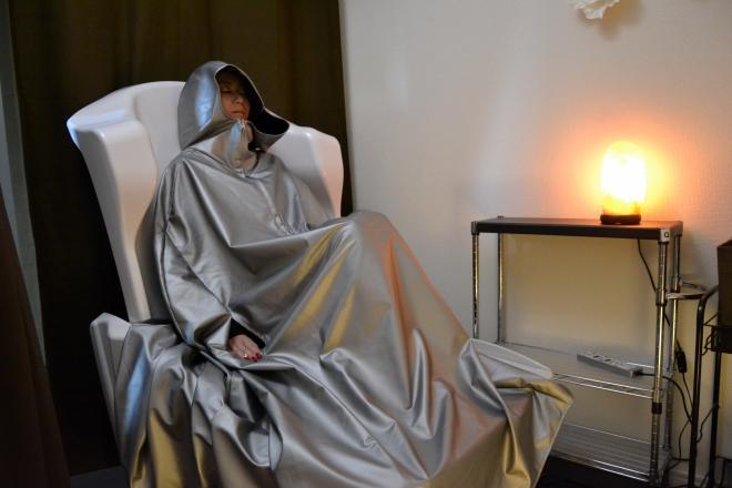 YOSA PARK ailes 専用ウェアに着替えてイスに座るだけ♪
