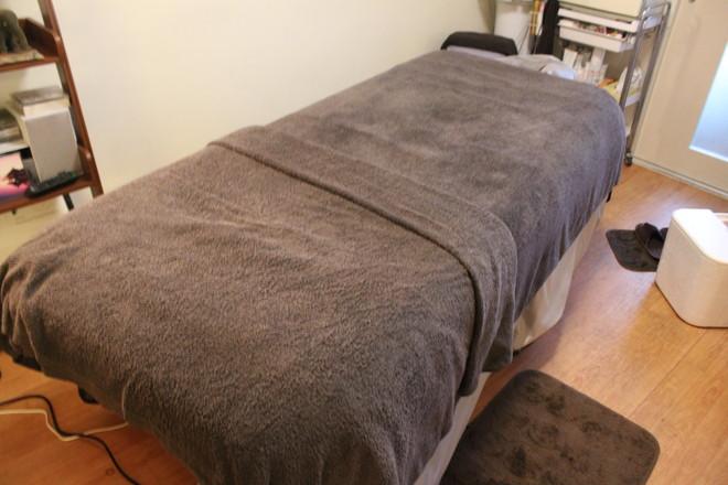 スイ こちらの施術ベッドにてトリートメントします。