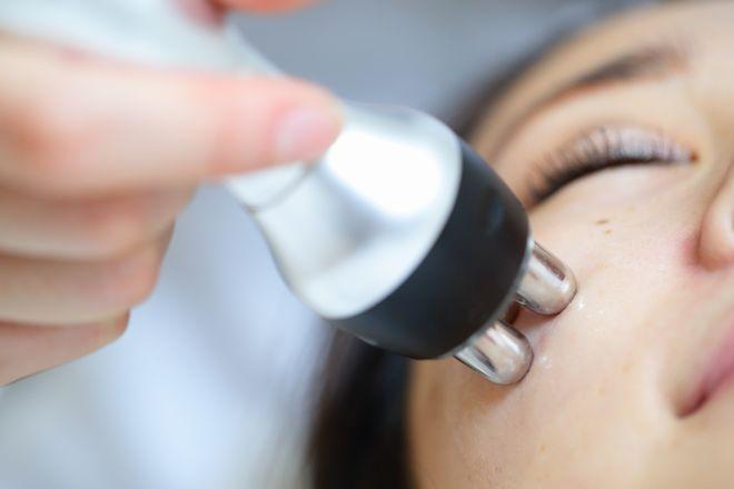 MEDISKIN 恵比寿 オリジナル美容機器でお肌を整えていきます!