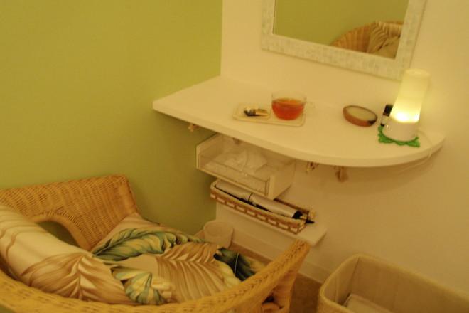 Coco Lomi 白と淡い緑で落ち着ける空間づくり
