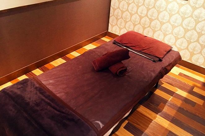 タイ古式マッサージ wai home  当店の施術台の1つ!ベッドタイプの施術台です!