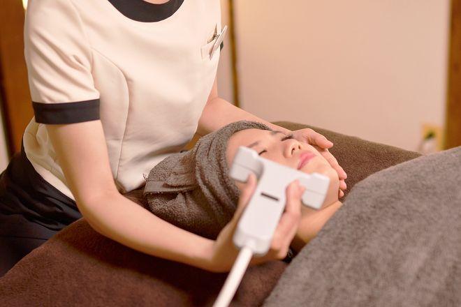モアニィ 京都円町店(Moanii) 当店で一番人気メニューは顔脱毛です!