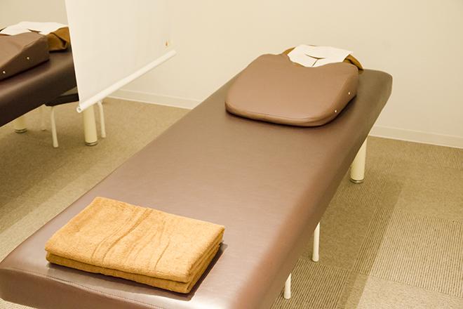リラク イーアス高尾店(Re.Ra.Ku) 施術を行うベッドです