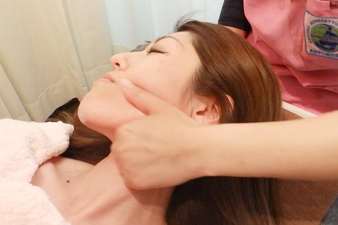 アズール(salon AZUL) お顔の筋肉を刺激し、きれいなフェイスラインへ