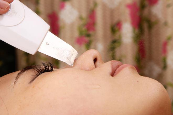 ロイヤルプライベートアロマサロン モグ 川崎店 毛穴洗浄付のフェイシャルが女性に人気