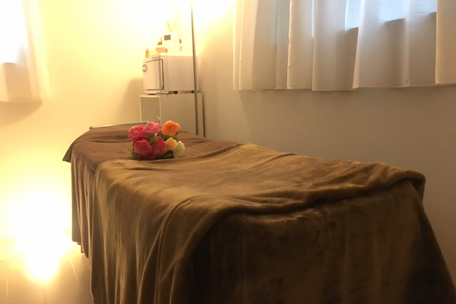 レイ(Salon de Rei) 落ち着くブラウンのベッド