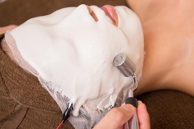 皮膚能力回復センター ピュアローズ 京都店 当サロンの一番の人気メニューでございます。