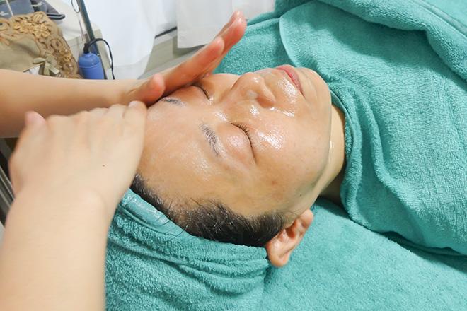 山野愛子どろんこ美容 京都店 オールハンドの施術にこだわっています!