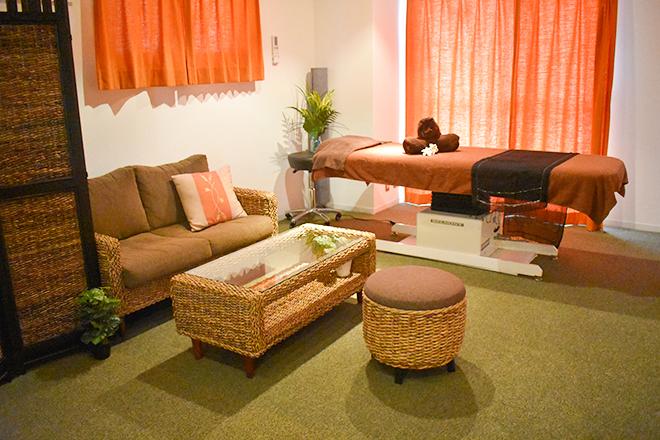 Cocotii 恵比寿店 ハンドでの施術はこちらで。壁の絵や照明がムード