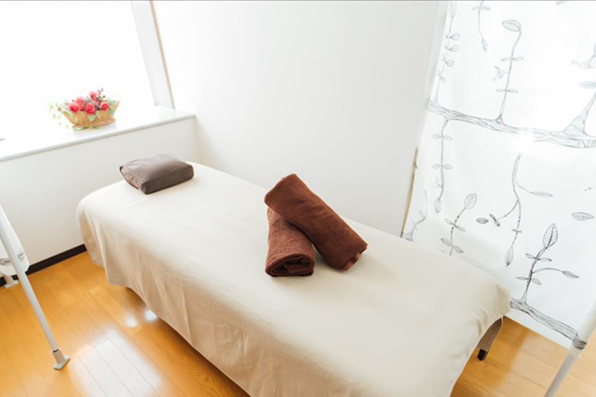 デトックス整体専科院 白を基調とした、清潔感溢れる癒しの空間☆