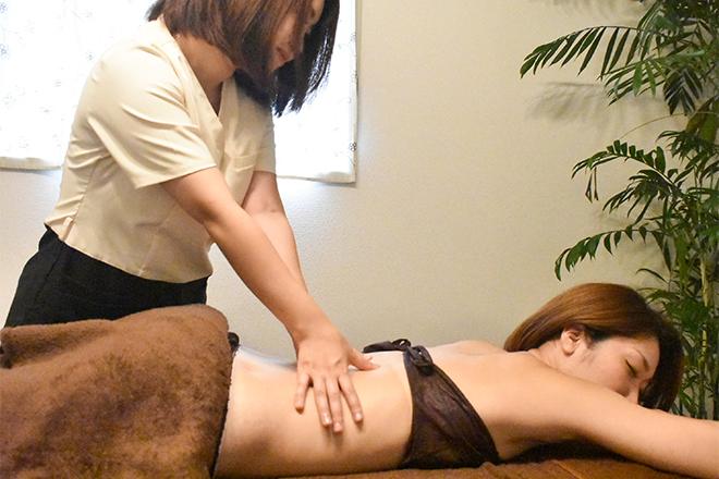 ラ グラシアス(La Gracias 美筋膜 大阪サロン) もみほぐして筋膜の癒着をはがしていきます