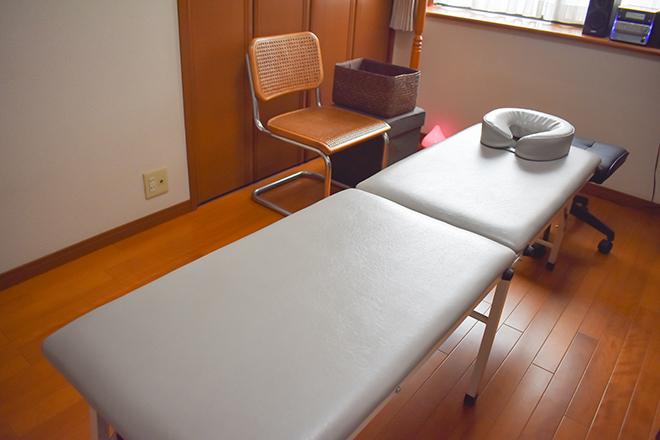 つばさ整体院 アロマが香る部屋で施術を行います