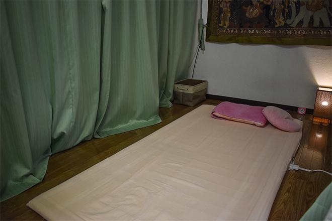 タイ古式マッサージ Sabai Sabai 広々とした柔らかいマットに体をお預けください