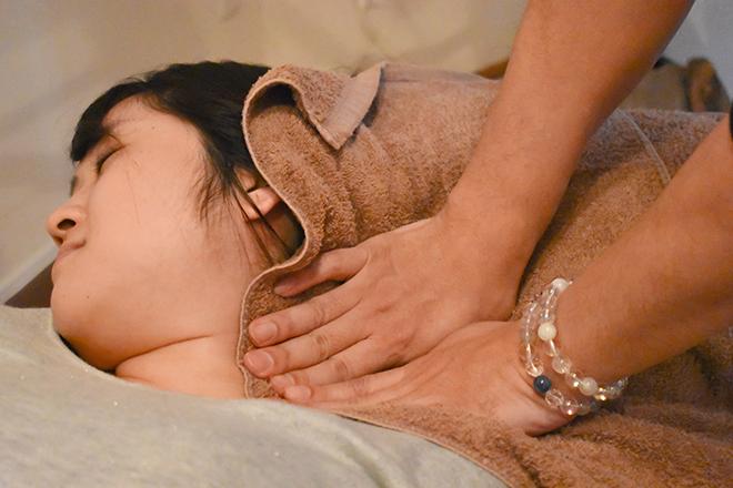 sun healing 首や耳下のリンパを流すことがとても重要です