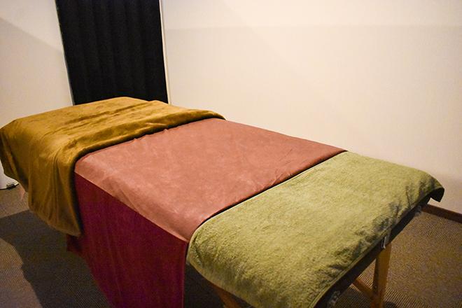 グレンツェン ベッドは2台ありボディは幅広いベッドで行います