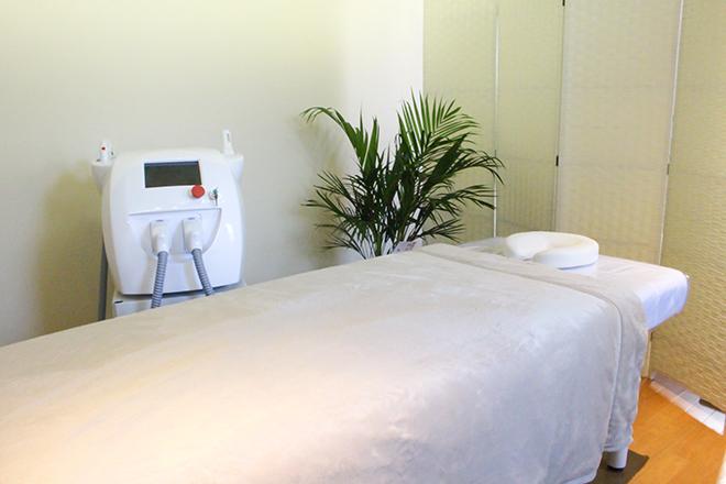ジラソーレ(プライベートサロン girasole) 白色を基調とした「完全個室」でリラックス