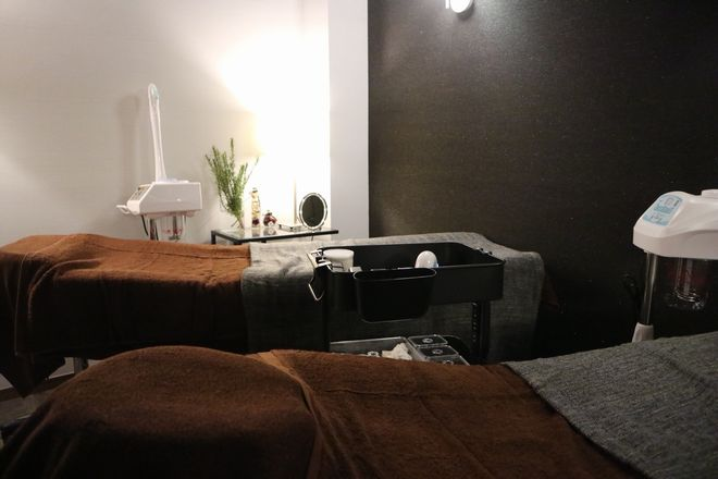 サロンツキ(Salon TSUKI) お友達や母娘など一緒に施術できます