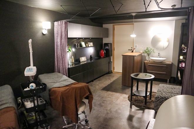 サロンツキ(Salon TSUKI) プロのデザイナーさんのこだわりがいっぱいの店内