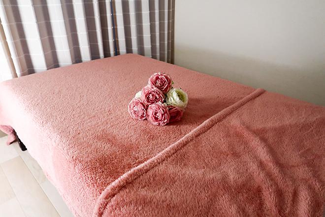 ラヴァーズ(LOVERS) ゆったり幅のフラットなベッドで施術します