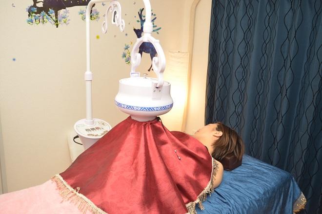 ユナ 寝ながら受けれる本格よもぎ蒸しです!