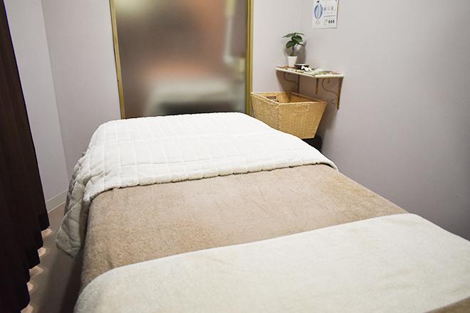 ビオリー湘南 落ち着いた雰囲気にまとめたベッドは3台