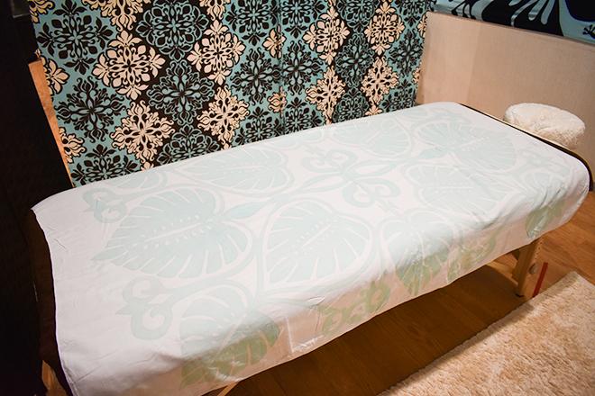 ハワイアン ボディケア Alo Lino 安定性のあるこだわりのベッドを使用
