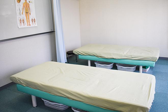 TBBカイロセンター カーテン仕切りのあるオープンスペース