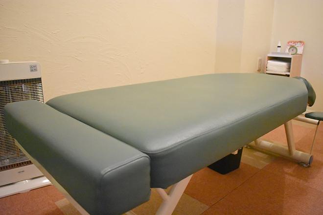 リフレックス(カイロプラクティック Re-flex) ほかのお客様から見えない空間に広めのベッドを
