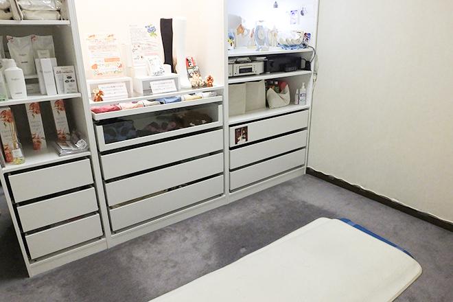 PuPu シンプルで広々とした施術スペース