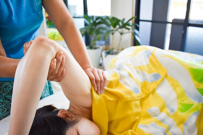ぷめはな 肩を回して筋肉の緊張を緩めていきます