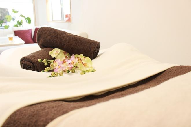 Liora ◆清潔感の溢れる施術台◆