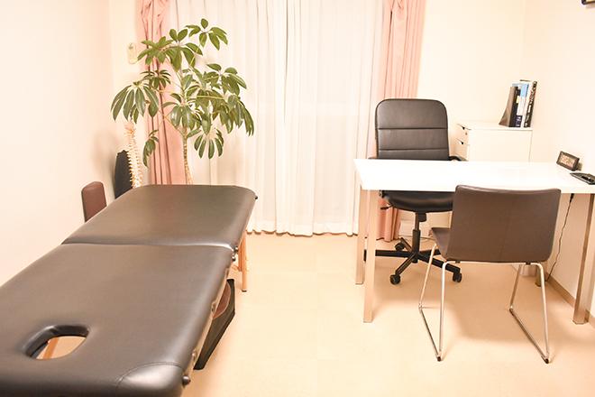 プリンス 整体院 清潔感のあるシンプルな「完全個室」