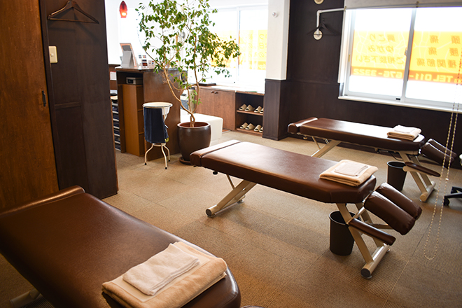チロル(カイロプラクティック&もみほぐし) カフェにきたかのようなくつろぎの空間