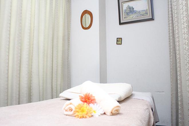 癒しの源 広めのベッドを採用