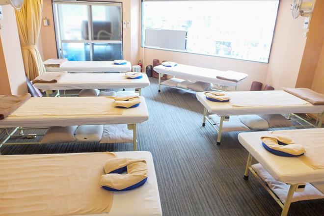 ラクサス 五反田東口(LUXAS) 「開放的」な明るい雰囲気の施術スペース