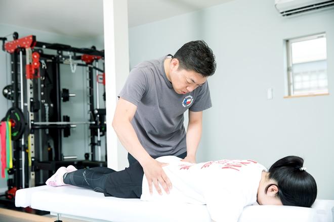 カイロプラクティック しみず 骨盤から調整することで不調の根本にアプローチ