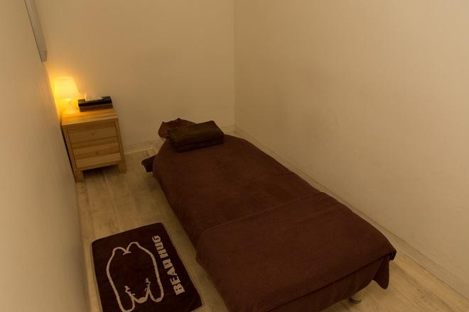 ベアハグ イオンモール東久留米店 ベアハグオリジナルベッドを採用