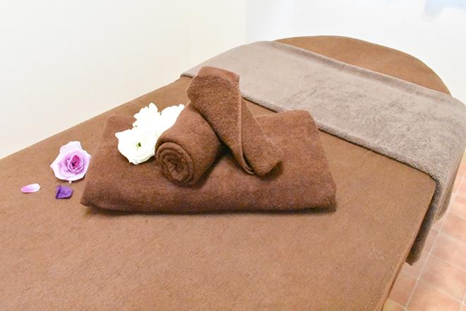 黒猫リボン 世田谷 清潔感がありリラックスできる施術ベッド