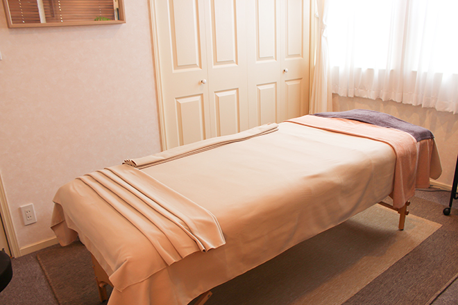 ブルーベル(Bluebell) 幅広の施術ベッド
