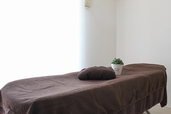 ブエナスエルテ まわりを気にせずゆったりできる施術ベッドです