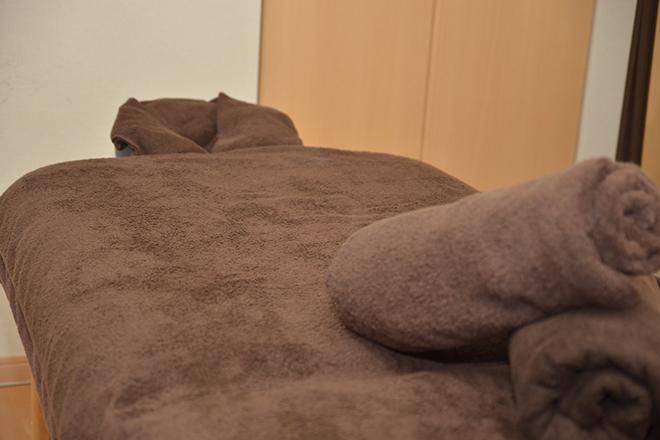 Bi-jou 完全個室の施術室で心地良いリネンに包まれて
