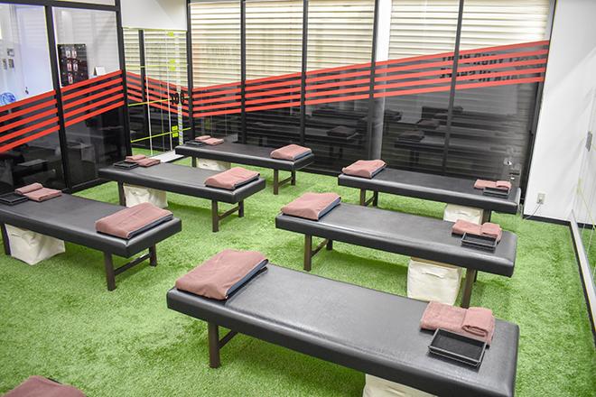 Dr.ストレッチ 川崎アゼリア店 開放的で賑やかなストレッチスペースです♪