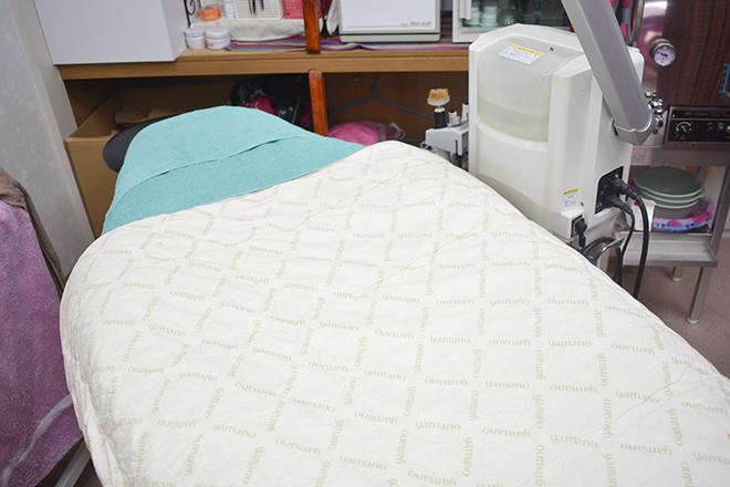 山野愛子どろんこ美容 小坂井店 こだわりのベッドを使用