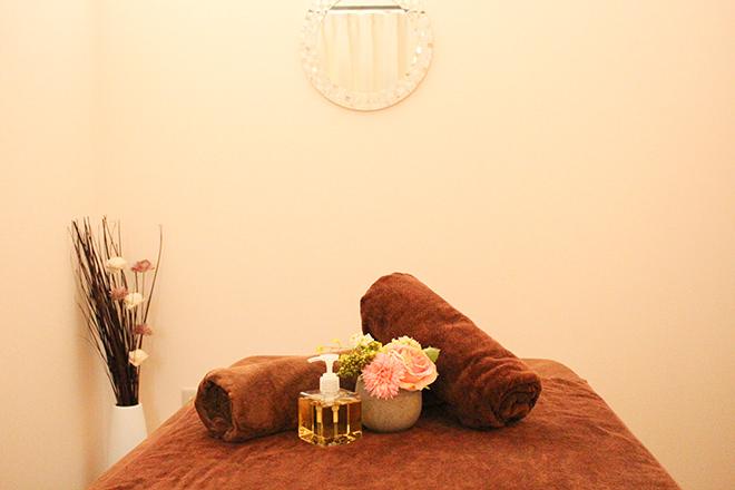 Elegant beauty 広い個室風のスペースでじっくりケアします