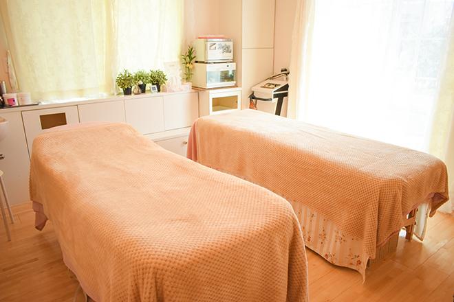 フィオレ(Healing Salon Fiore) ベッドは2つ☆ペアでも受けられる