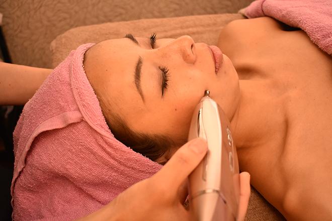 ビューティー サロン サバイディー 美容機器を使った毛穴ケアでさっぱり潤い素肌へ