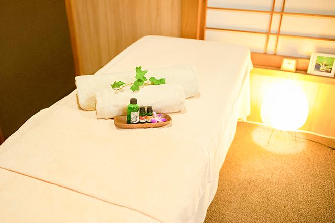 ミヅキ(サロン 泉月) ベッドを2台用意しています