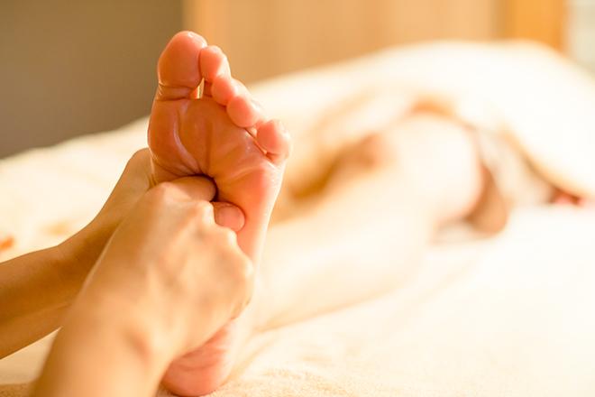 ミヅキ(サロン 泉月) 足裏〜膝上までの施術が基本です
