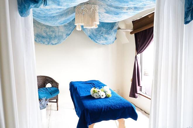 ミルフルール(小顔 美容整体 痩身) 青と白を基調とした空間です